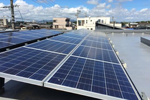 屋根設置太陽光発電1